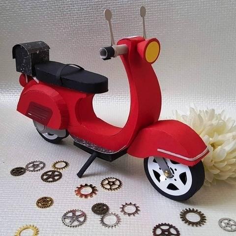 Motorroller aus Papier von KreativWerk Sabine Schmidt