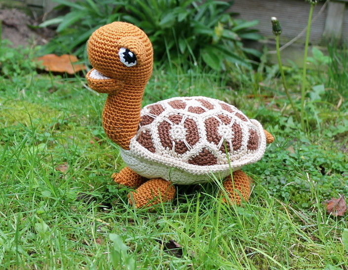 Hilda the heart turtle crochet pattern at Makerist - Image 1