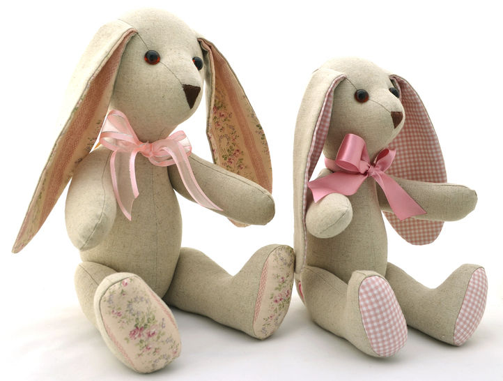 Floppy Eared Bunny Soft Toy - Stuffed Toy Sewing Pattern at Makerist - Image 1