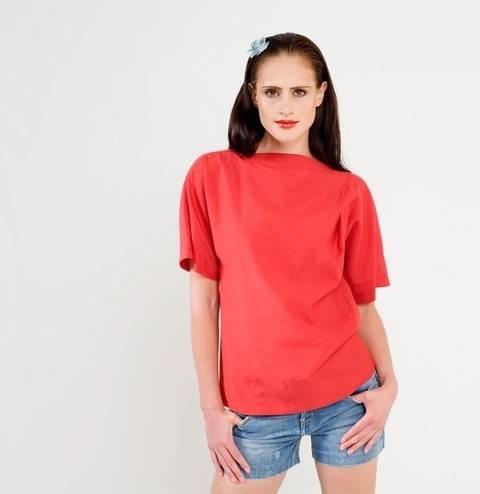Schnittmuster und Nähanleitung Shirt Mira bei Makerist