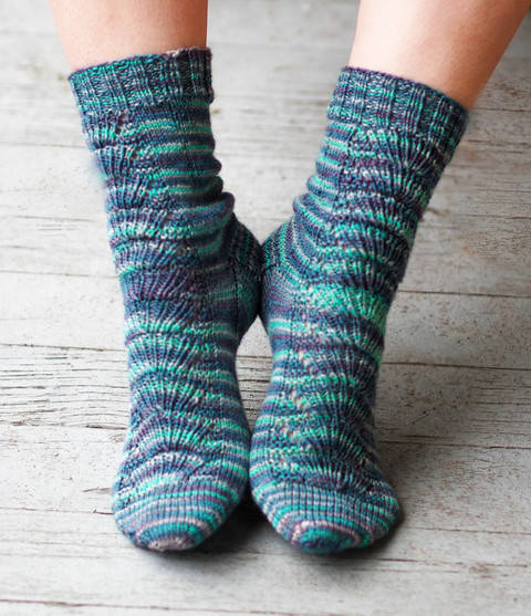 Under the Umbrella Socks at Makerist