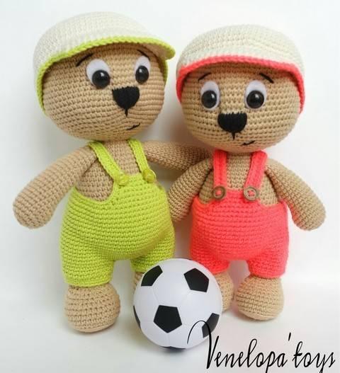 Amigurumi Bear with Cap crochet Pattern  at Makerist