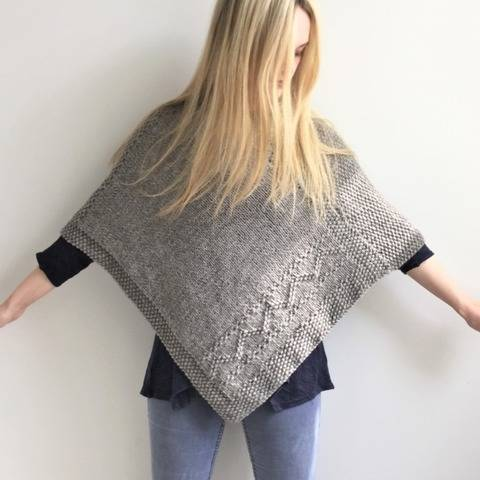Knitting pattern - Jules Poncho - 2 Adult sizes - easy at Makerist