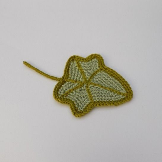 Small Crochet Ivy Leaf Pattern, Crocheted Leaf at Makerist - Image 1