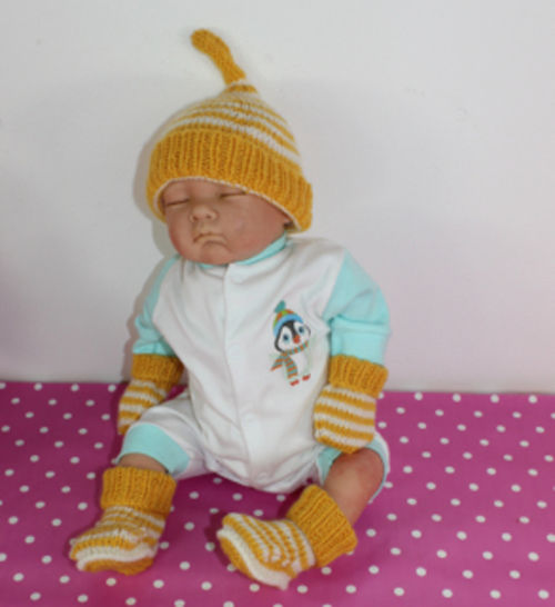 Baby Easy Stripe Pixie Hat Booties and Beanie Hat at Makerist - Image 1