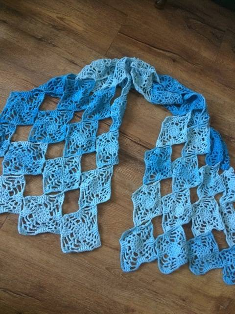 Lacy in the Sky with Diamonds - crochet wrap/shawl pattern at Makerist
