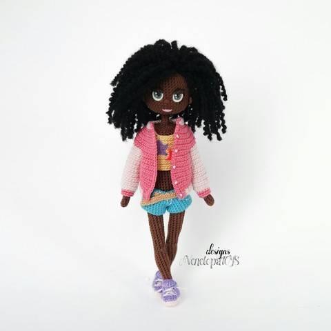Amigurumi Modèle Poupée Naomi crochet chez Makerist