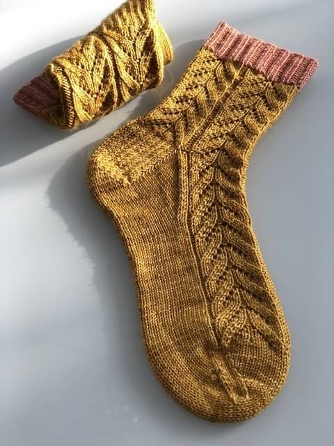 Aura Socks at Makerist