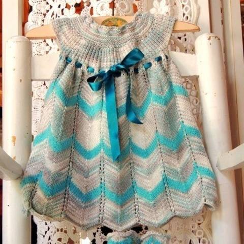 Tricot layette fille 0/3mois - robe et bottons