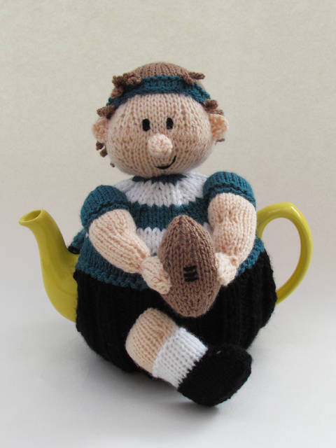 Rugby Player Tea Cosy at Makerist