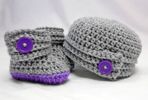 Buttoned Up Baby Booties and Beanie at Makerist