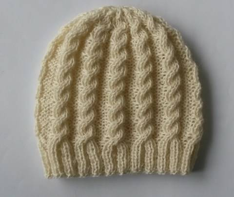 Classic Cable Beanie at Makerist