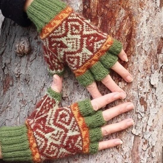 Kusi Cat Mitts colorwork knitting pattern at Makerist - Image 1