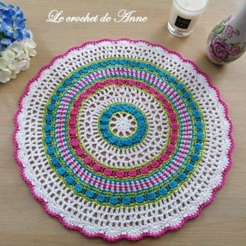 PDF CROCHET - Mandala aux rangs colorés ! chez Makerist