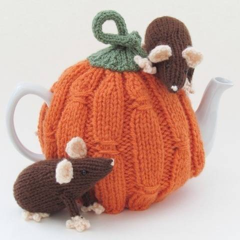 Harvest Pumpkin Tea Cosy Knitting Pattern at Makerist