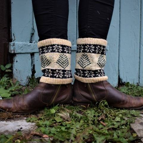 Snowing in the Forest Boot Cuffs at Makerist