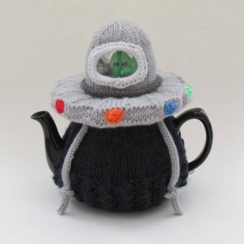 Alien Spaceship Tea Cosy at Makerist