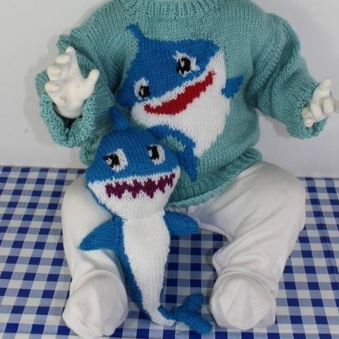 Baby & Toddler Shark Sweater and Toy at Makerist