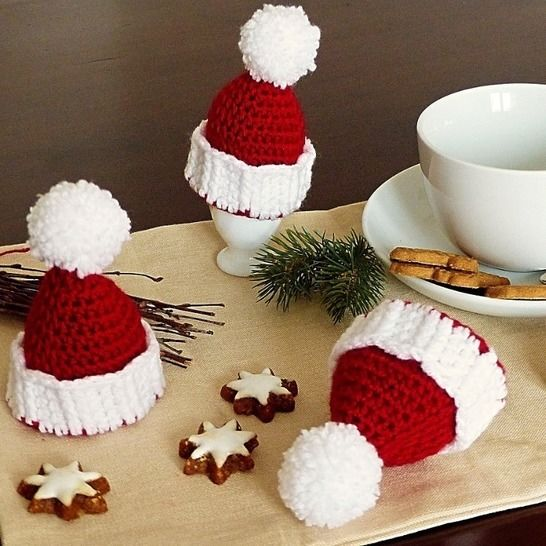 "Egg Cozy ""Christmas Hat"" - Crochet Pattern at Makerist - Image 1"