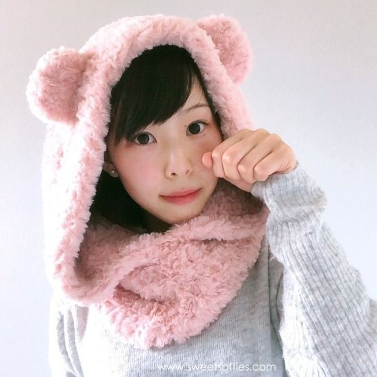 Fluffy Hooded Bear Cowl Snoodie at Makerist - Image 1
