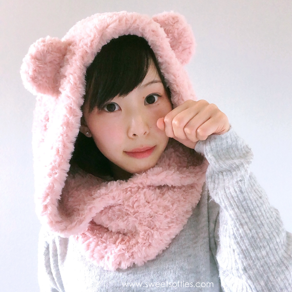 Fluffy Hooded Bear Cowl Snoodie