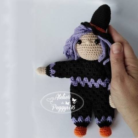 Witch lovey granny at Makerist