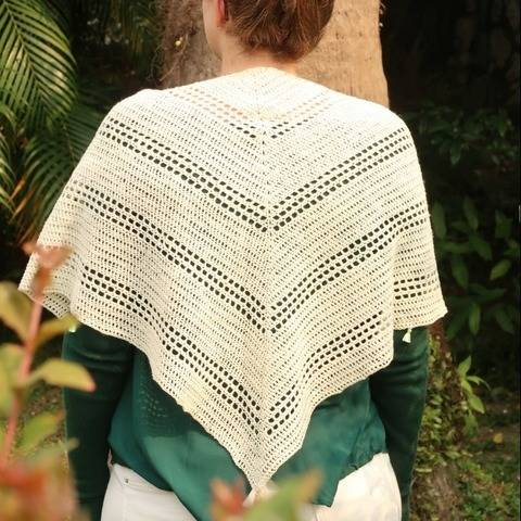 Crochet shawl PDF pattern - Gathering Driftwood scarf at Makerist
