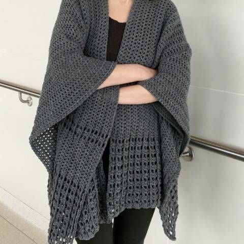 Crochet Ruana Pattern (Never-A-Gray-Day Ruana) at Makerist