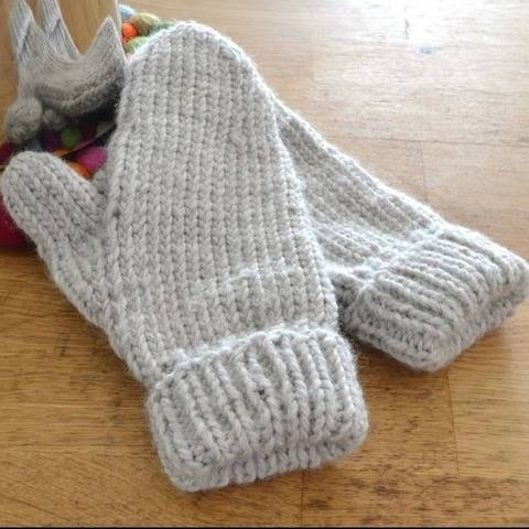 Easy mittens knitting pattern PDF - cozy knit glove pattern
