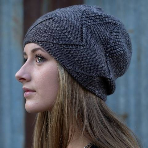 Sette Vele slouchy hat - knitting pattern at Makerist