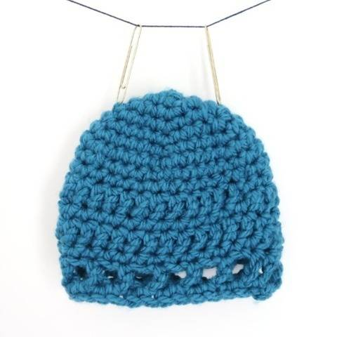 Kid hat and baby crochet beanie pattern - Peak-a-boo beanie at Makerist
