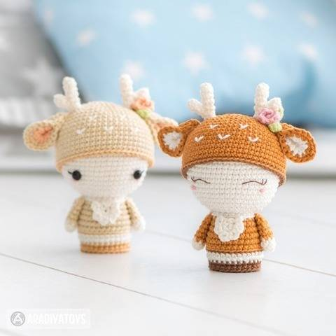 Crochet pattern of Mini Annie the Deer by AradiyaToys