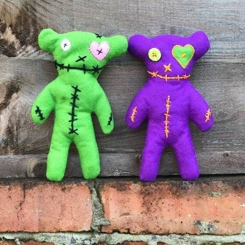 Tedi Rawr - Embroidered Felt Halloween Teddy Toy at Makerist