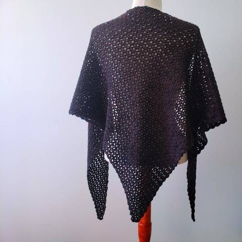 The Black Shawl - châle à crocheter