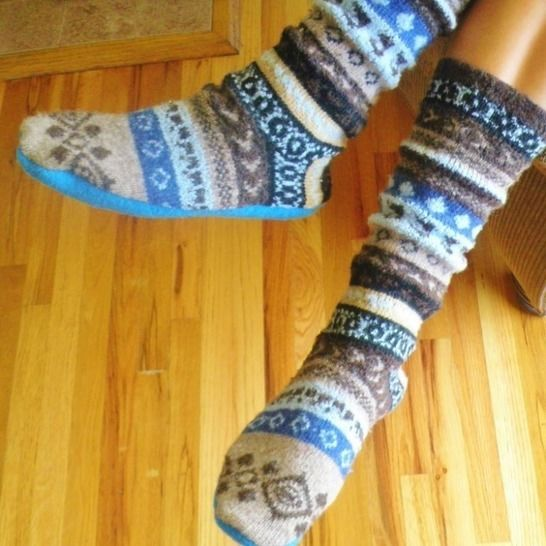 Upcycled Sweater Slipper Socks at Makerist - Image 1