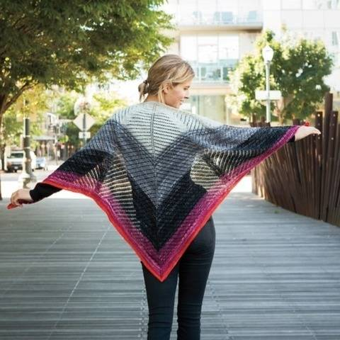 Gradience triangular shawl - hand knitting pattern