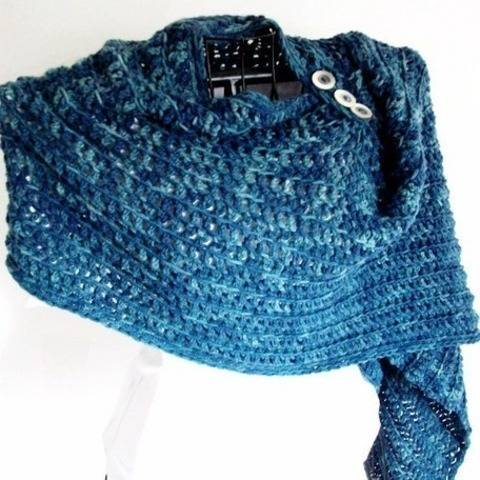 Deep Waters Simple Crochet Shawl at Makerist
