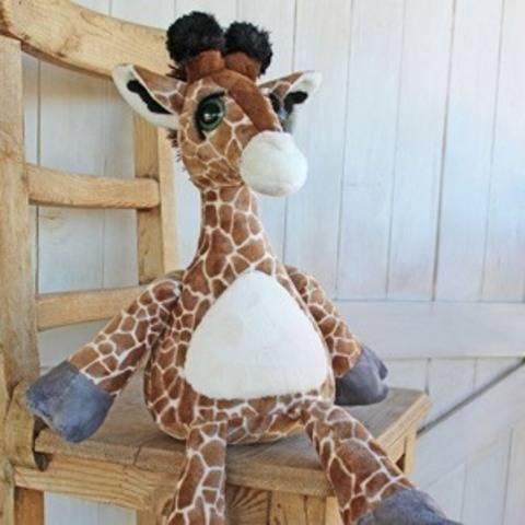 Lounging Leafer Giraffe Doll Softie at Makerist