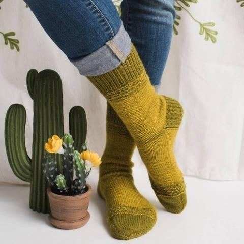 Prickly Pear Socks at Makerist