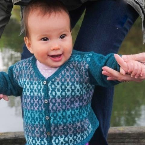 Debonair baby / child's cardigan - hand knitting pattern at Makerist