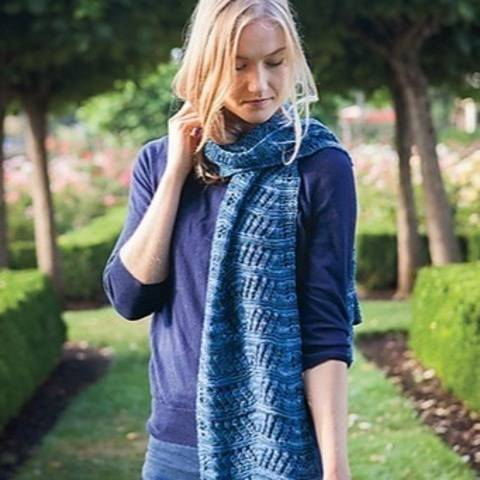 Voyageur rectangular lace scarf - hand knitting pattern at Makerist