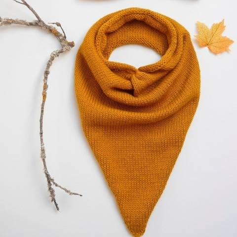 Knitting Pattern – Triangular Scarf LIV – No.227E