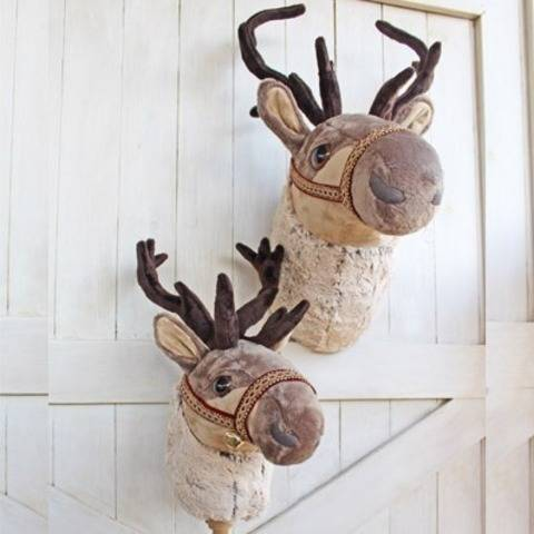 Reindeer Ride-On Toy and Wall Decor at Makerist