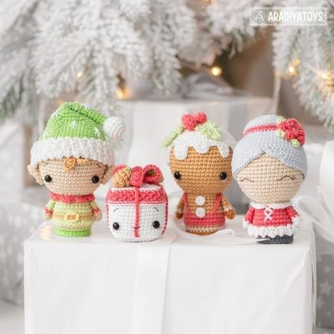 Crochet pattern of Christmas Minis set 2 by AradiyaToys