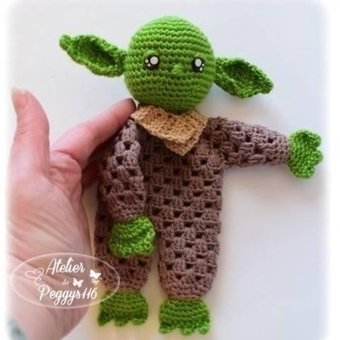 Doudou Bébé Yoda Granny chez Makerist