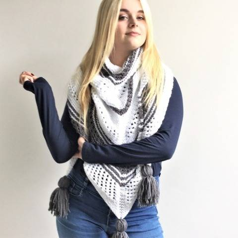 White Wave Shawl - Adult - intermediate