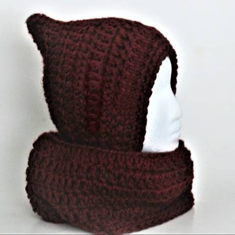 Easy Women's Pixie Hat and Cowl at Makerist