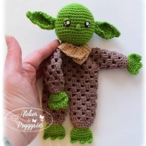 Baby Yoda lovey granny at Makerist