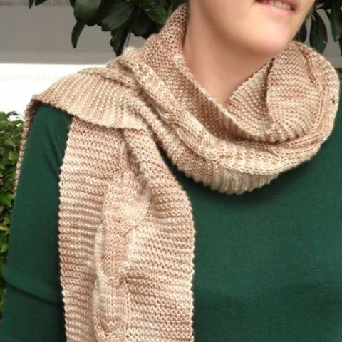 Braided Bridge Easy Cable Scarf Knitting Pattern at Makerist