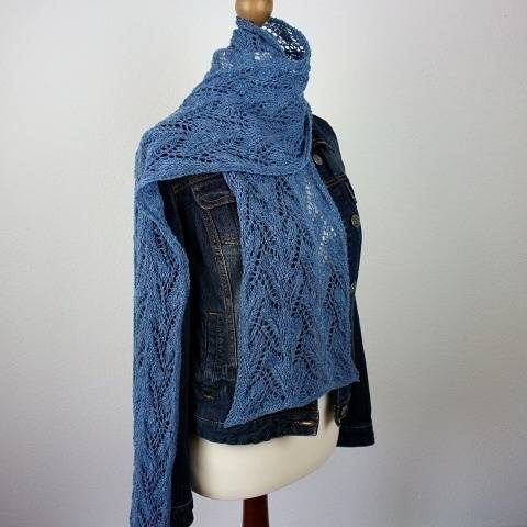 "Knitting pattern Scarf ""Sapphire"" at Makerist"